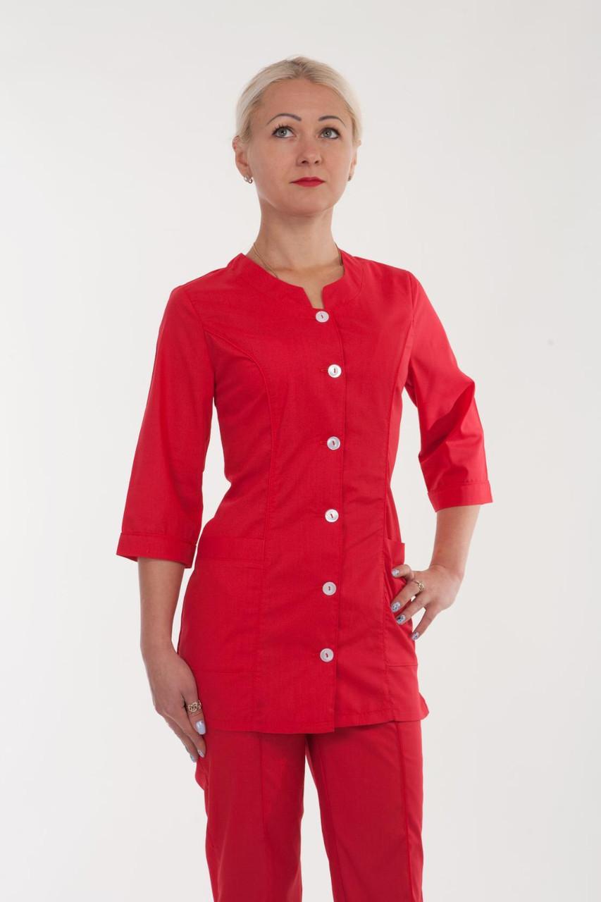 Красный медицинский костюм