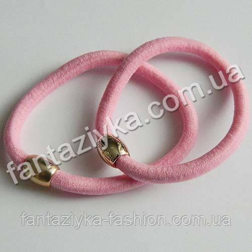 Резинка для волос с золотой бусиной 5,5см, светло-розовая