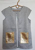 Жилет на девочу  с меховыми кармашками, р. 134-152 светло-серый, фото 1