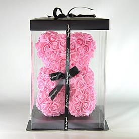 Мишко з троянд у подарунковій упаковці 23 см рожевий
