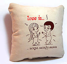 "Подушка декоративная Slivki из серии ""LOVE IS..."" 01 - цвет бежевый"