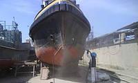 Предварительная обработка поверхности судов пескоструйным оборудованием
