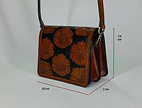 56de491ea043 Маленькая женская сумочка ручной работы из натуральной кожи с цветочным  тисненым рисунком