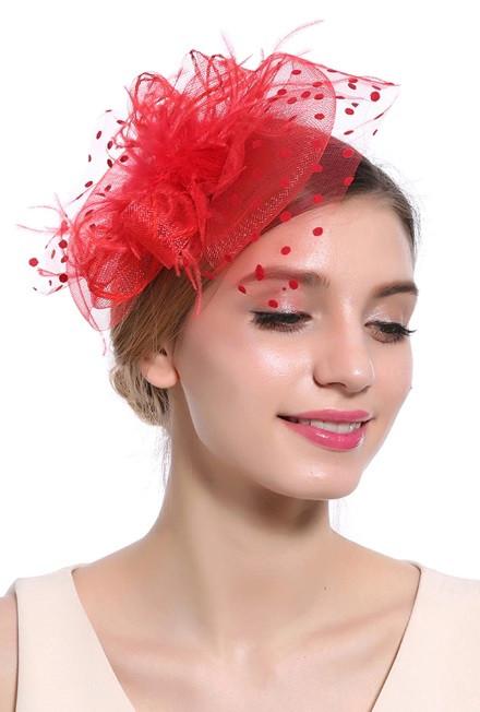 Уникальная женская красная шляпка с вуалью и брошкой А-1111