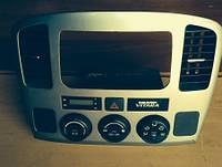 Блок управления печкой климат / Дефлекторы центральных воздуховодов Suzuki Suzuki 3678050j01 / g8c275sa00 2006
