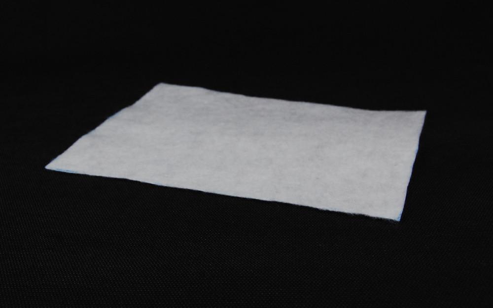 Полотно фільц кол білий 120г ширина 160см (рул 100м)