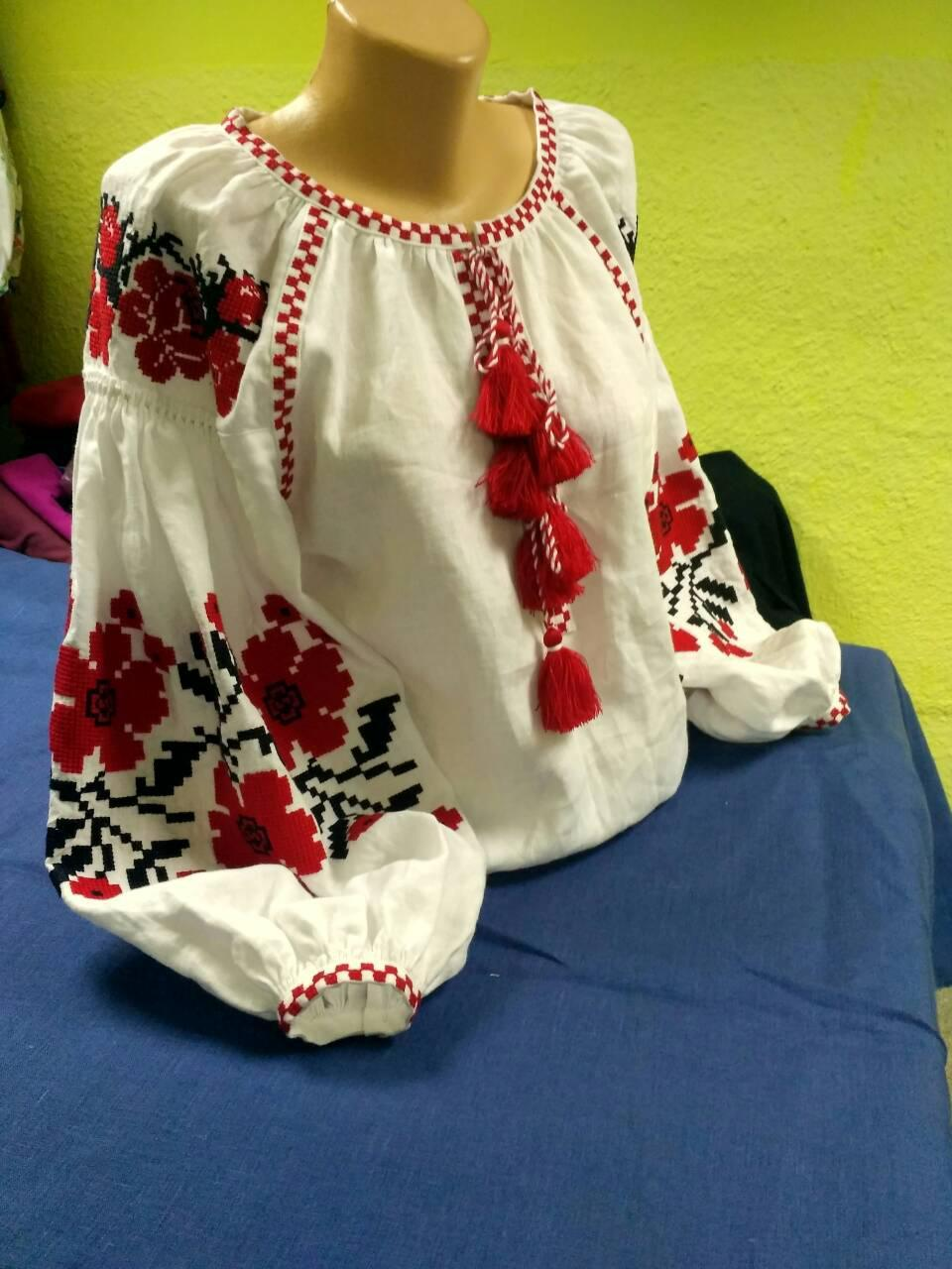 Вышитая блуза с цветами