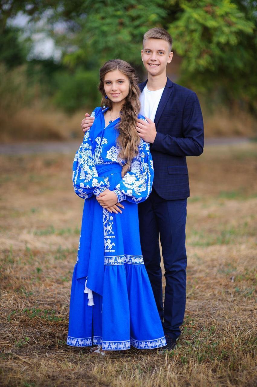 Платье с вышивкой Королева бала