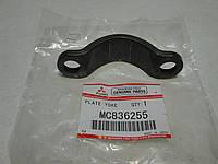 Скоба крепления кардана КПП MITSUBISHI SAFIR MS827 (MC836255) MITSUBISHI , фото 1