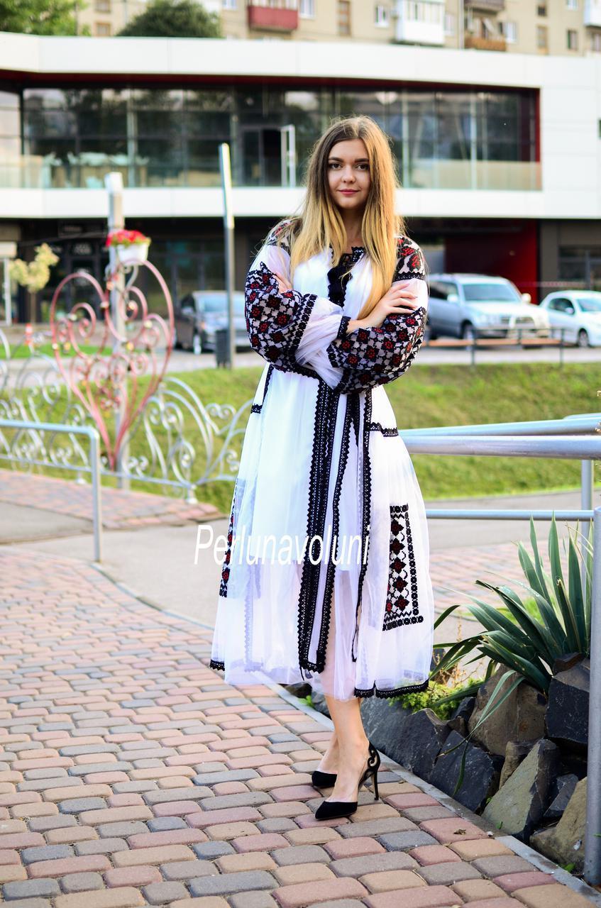 """Дизайнерське плаття з вишивкою """" Аноли """""""