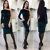 Женское платье на одно плечо из велюра