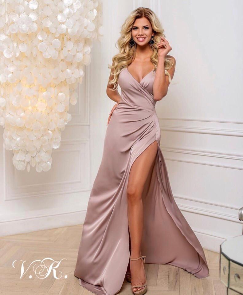 Вечернее шелковое платье в пол бежевого цвета 42-44р