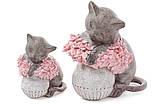 Декоративная статуэтка Кошка на вазе с розовыми цветами 18см, фото 3