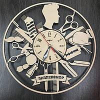 Настенные часы с деревянным циферблатом 7Arts Мужской стилист CL-0002