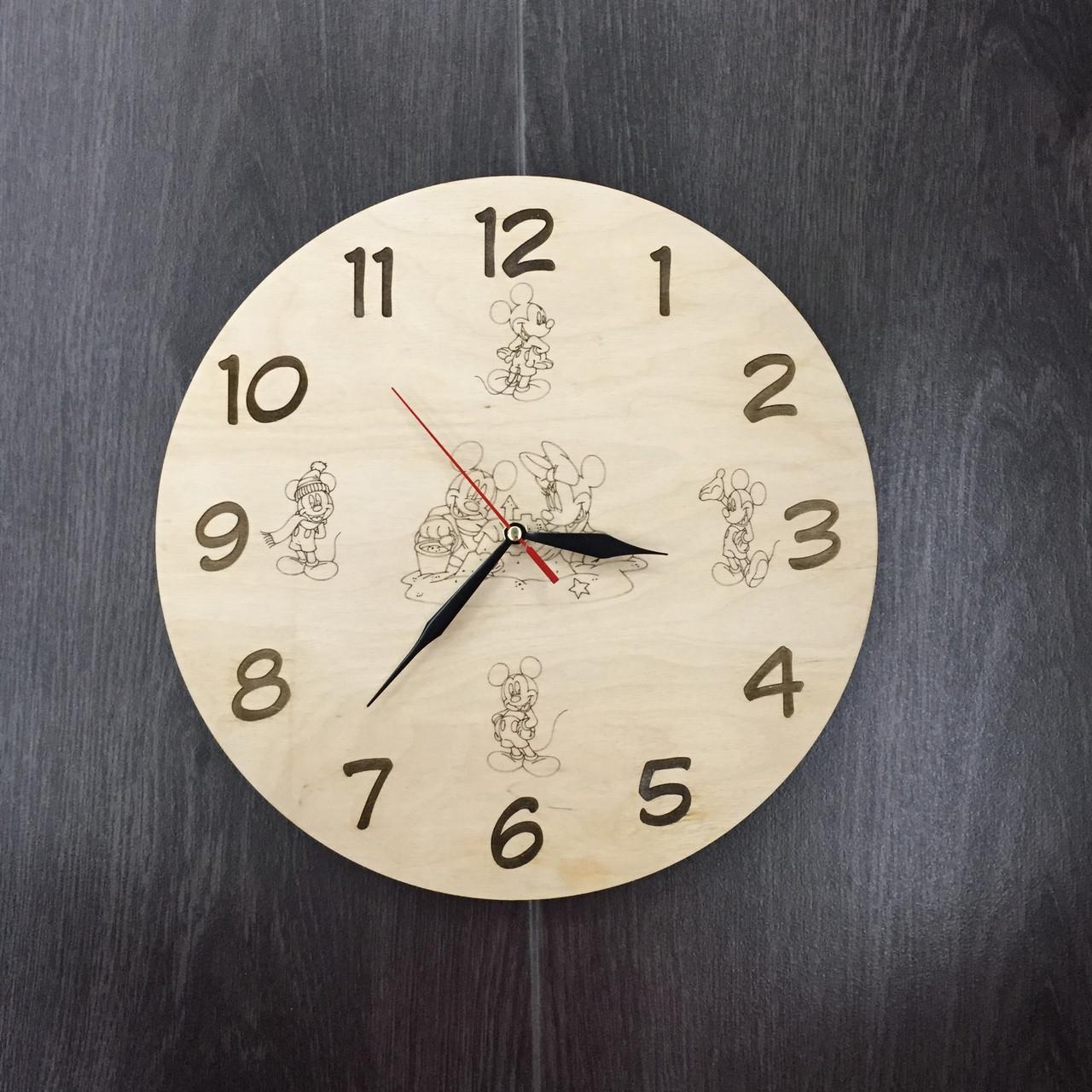 Детские деревянные часы на стену 7Arts Любимые герои мультфильмов CL-0009