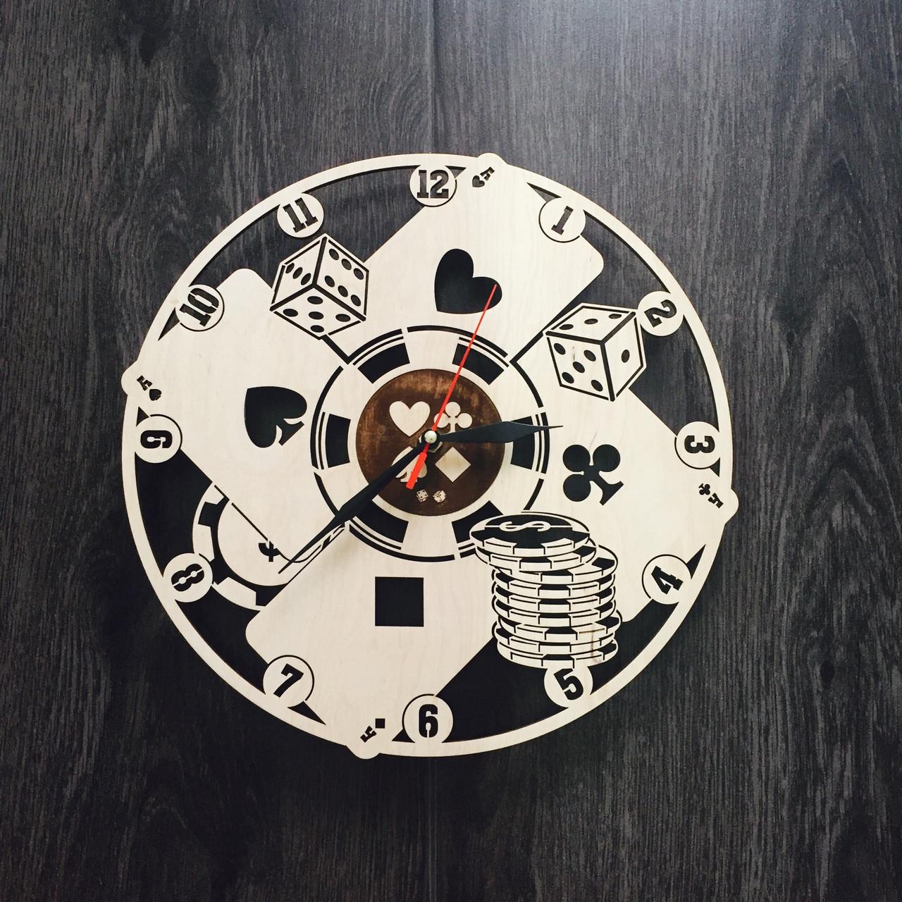 Настенные часы с деревянным циферблатом 7Arts Покер CL-0035