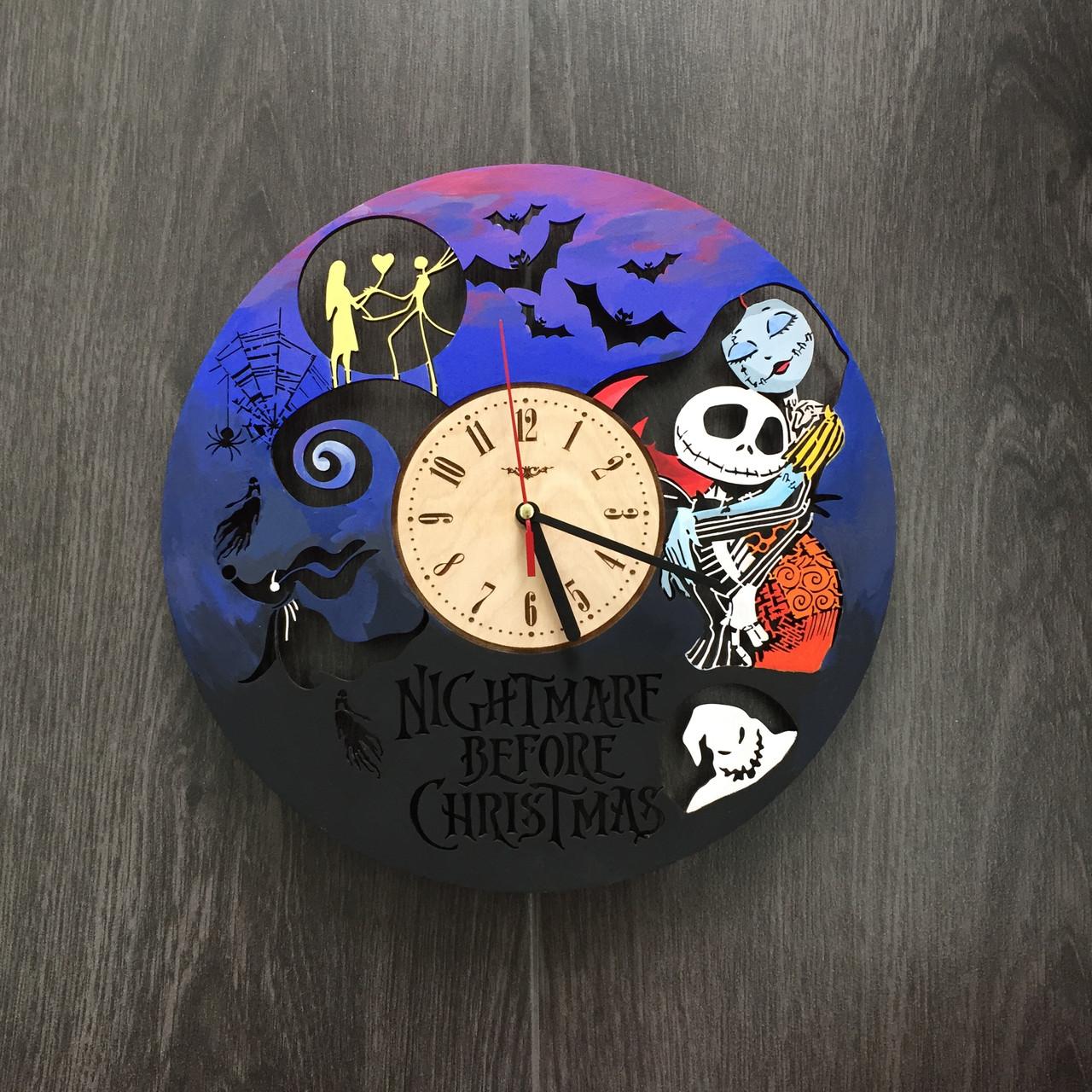 Часы настенные цветные из дерева 7Arts Кошмар перед Рождеством CL-0068
