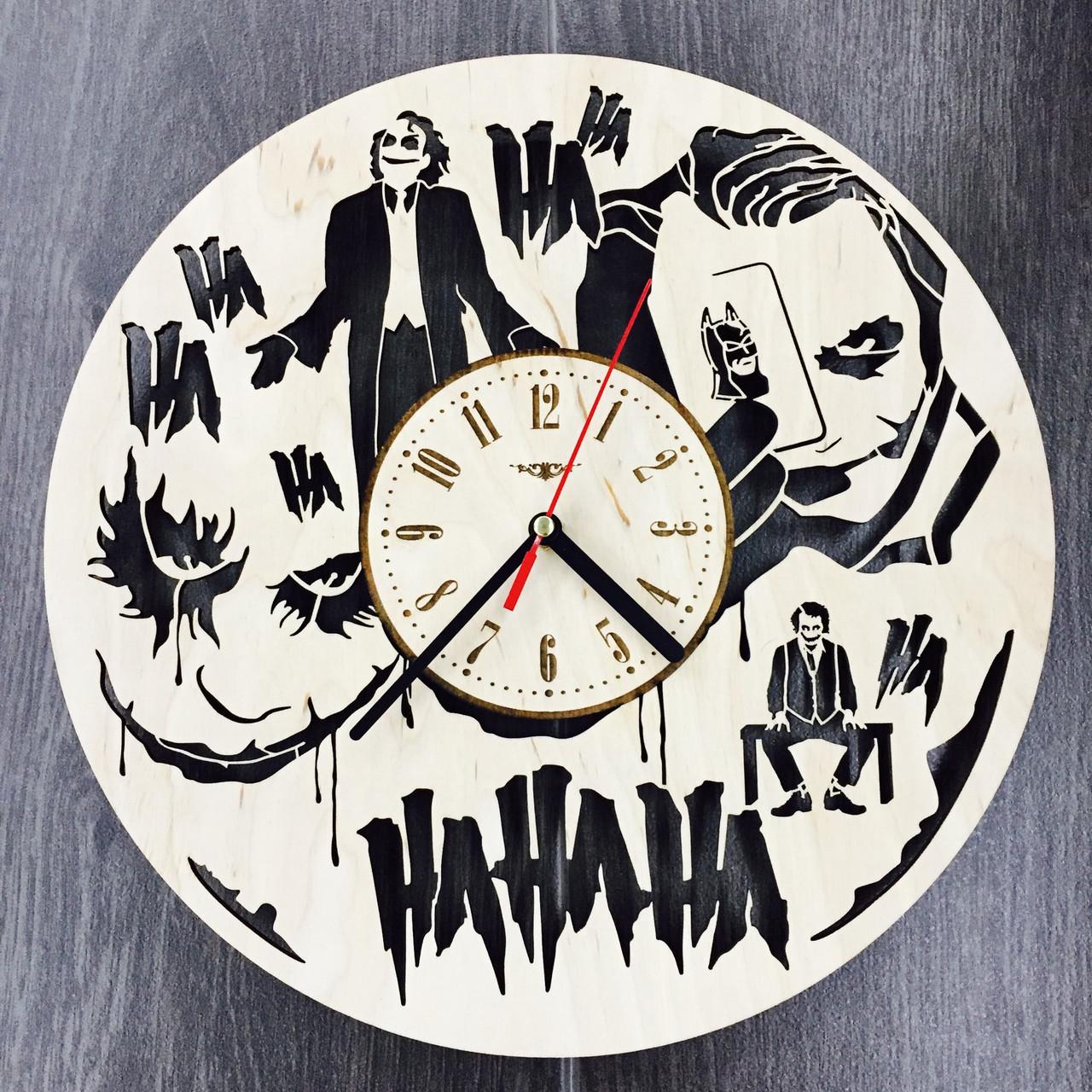 Часы настенные круглые с дизайнерским циферблатом 7Arts Джокер CL-0096
