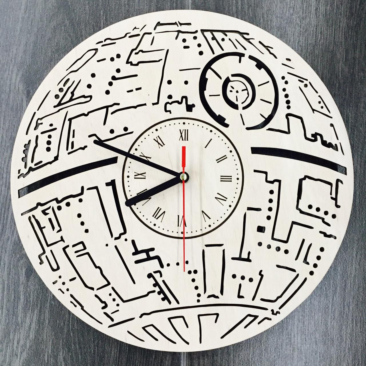 Настенные часы ручной работы из дерева 7Arts Звезда смерти CL-0104