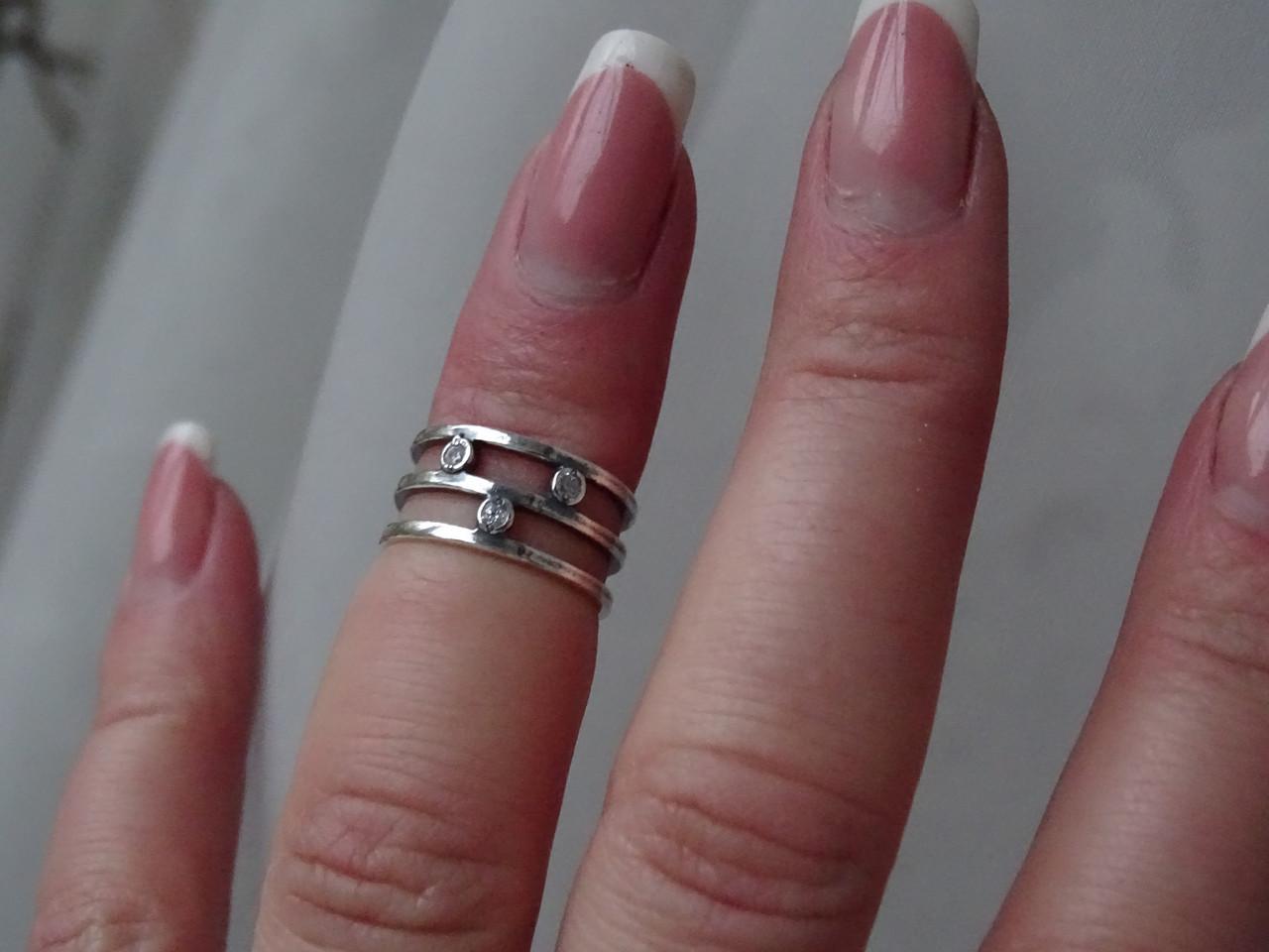 Серебряное кольцо тройное