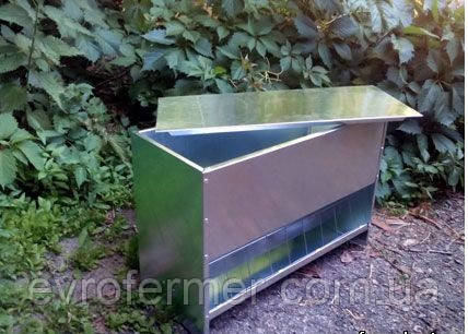 Бункерная кормушка для домашней птицы