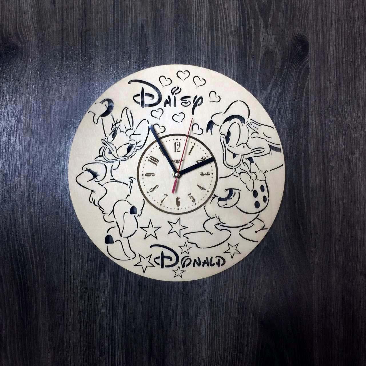 Детские настенные часы из дерева Дональд Дак и Дейзи Дак CL-0213
