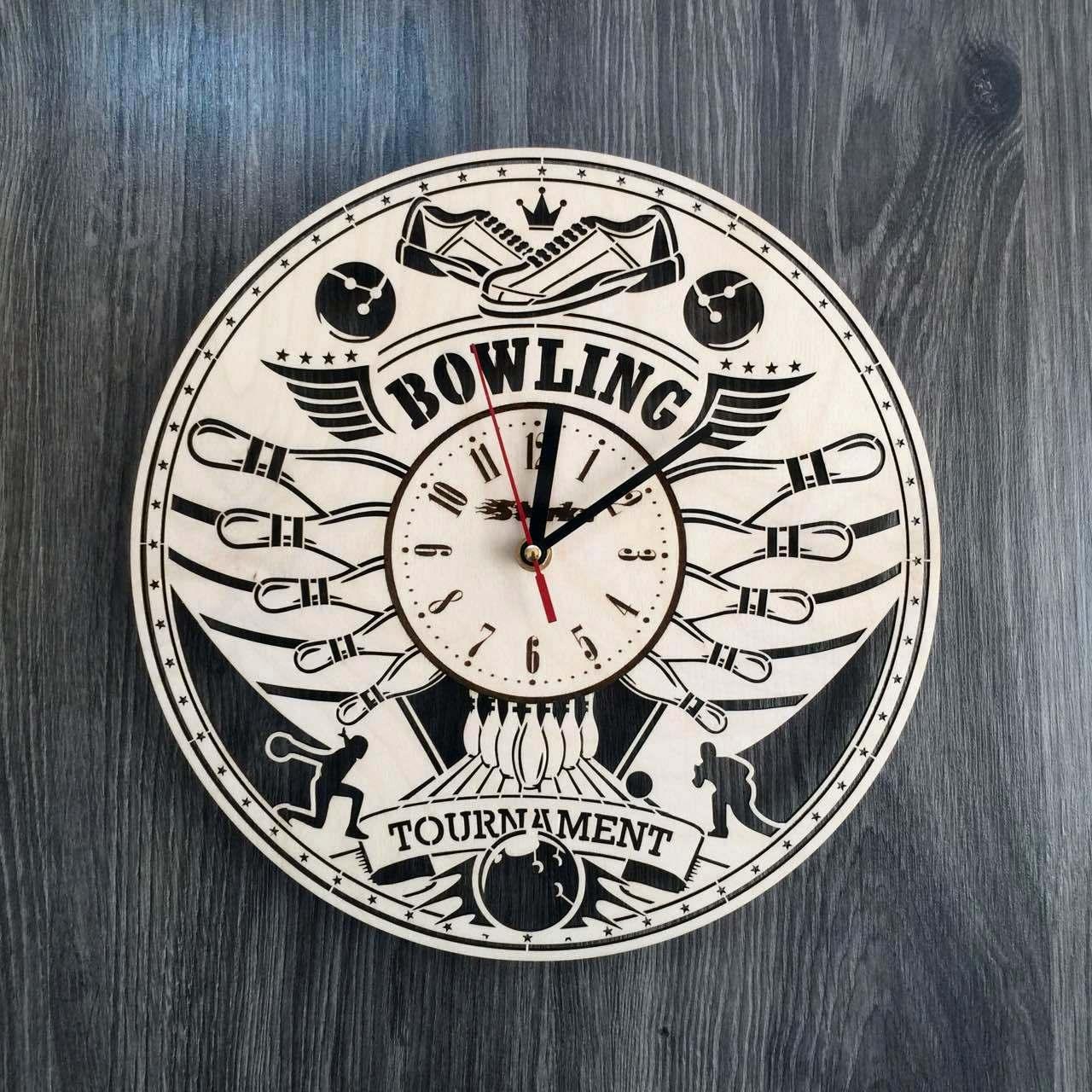 Деревянные большие часы на стену Боулинг CL-0219