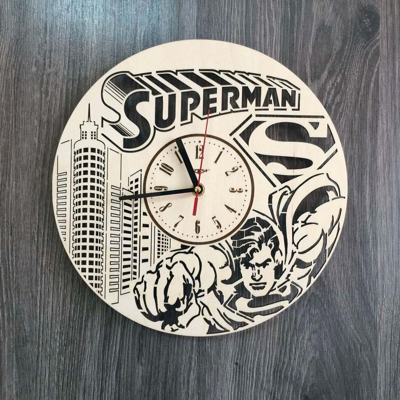 Стильные настенные деревянные часы Супермен CL-0221