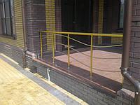 Алюминиевые  перила на балкон цвет золото