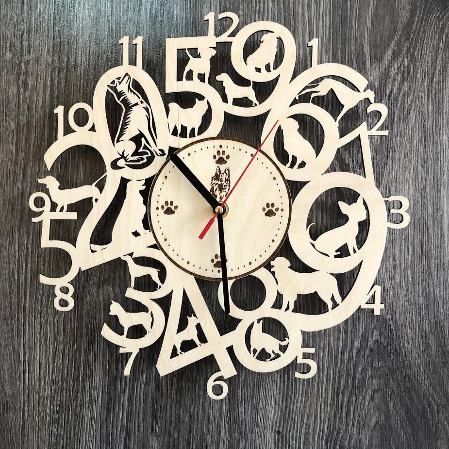 Интерьерные часы на стену из древа с собаками CL-0275