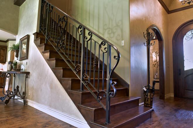 Кованые перила на лестницу