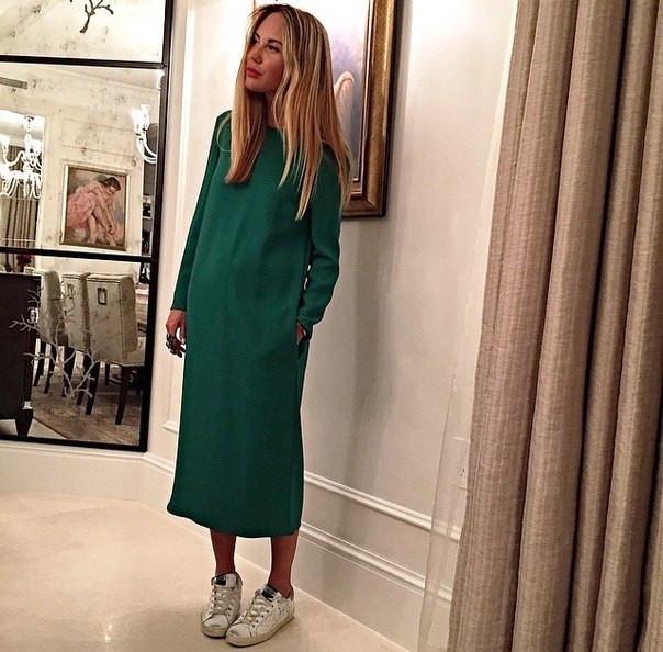 61d67701cc7 Платье свободного кроя зеленого цвета в длине миди - Интернет-магазин  одежды и обуви от