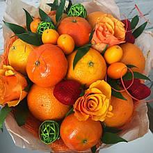 Фруктовый букет подарочный поздравительный для женщины из фруктов и цветов