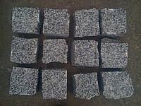 Гранитная брусчатка колотая покостовский гранит 6х6х6
