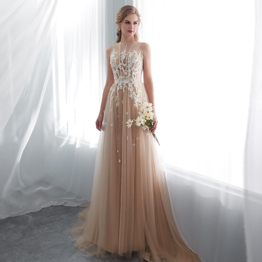 9b0eabe4dbf Бежевое вечернее платье с белым гипюром. Бежевое выпускное платье с ажуром  -