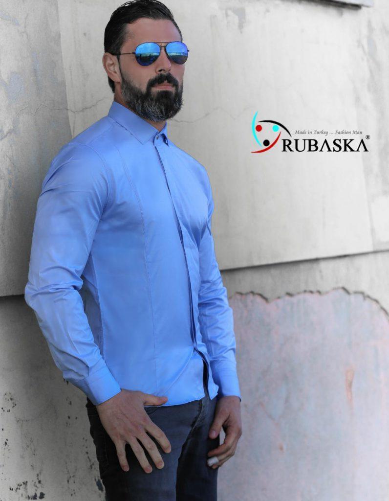 Мужская голубая рубашка с длинным рукавом