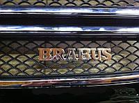 Надпись Brabus в решетку радиатора Mercedes G-Сlass, фото 1