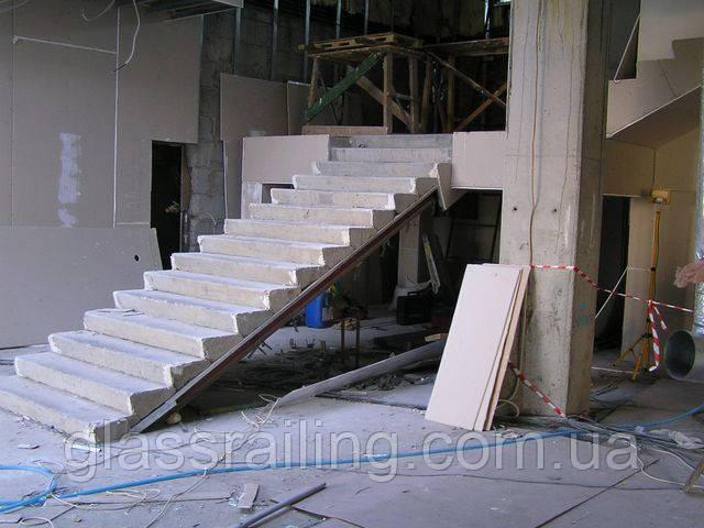 Бетонная лестница