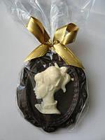 Шоколадная фигурка Камея.