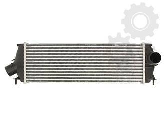 Радіатор інтеркулера на Renault Trafic 06-> 2.0 dCi + 2.5 dCi (146 к. с. ) — Nissens (Данія) - NIS 96583