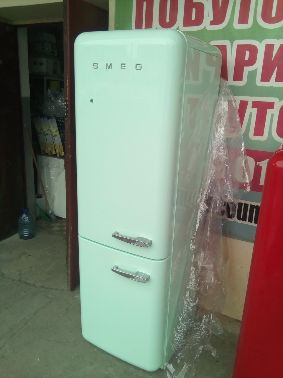 Двухкамерный холодильник Smeg FAB 32 LVN1