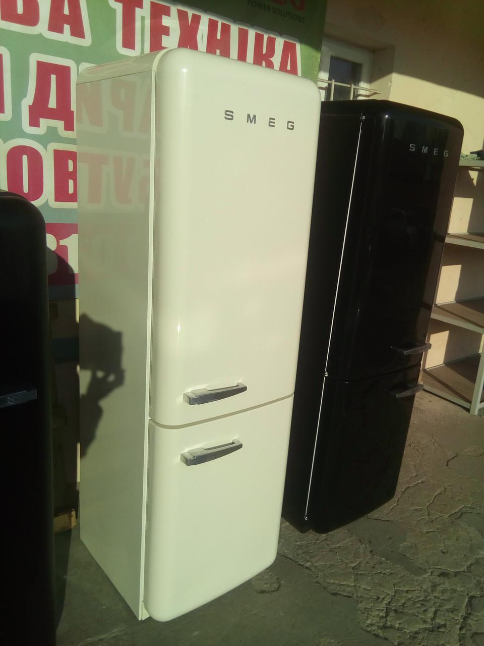 Двухкамерный холодильник Smeg FAB 32 RPN1