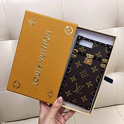 Чехол для iPhone 7Plus (7+) Louis Vuitton бампер силикон кожа коричневая классика