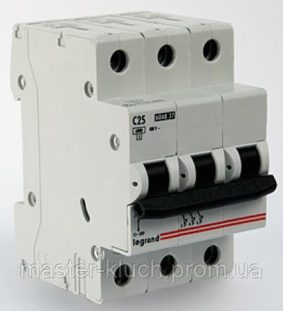 Автоматический выключатель Legrand 3р 32А