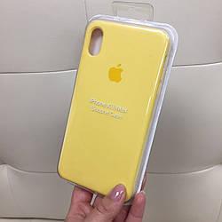 Силиконовый чехол на айфон XR цветной желтого цвета