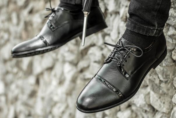 Чоловічі туфлі класичні з натуральної шкіри чорні