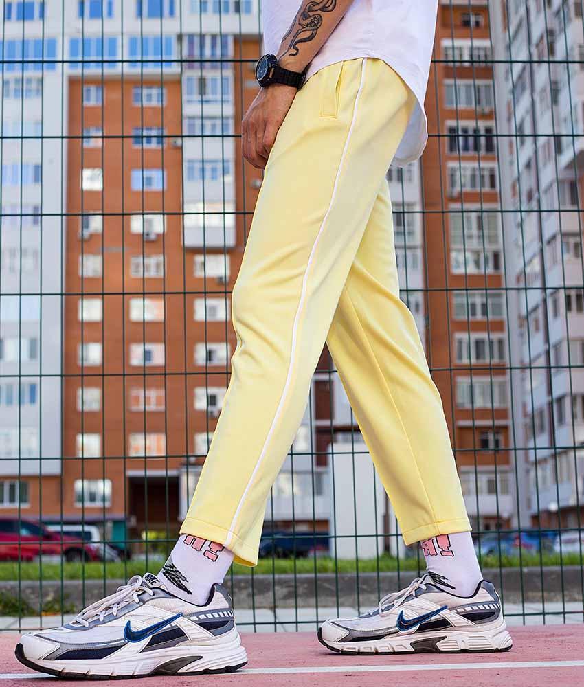 Спортивні штани зі смужками чоловічі жовті від бренду ТУР модель Кейдж (Cage) розмір S, M, L, XL
