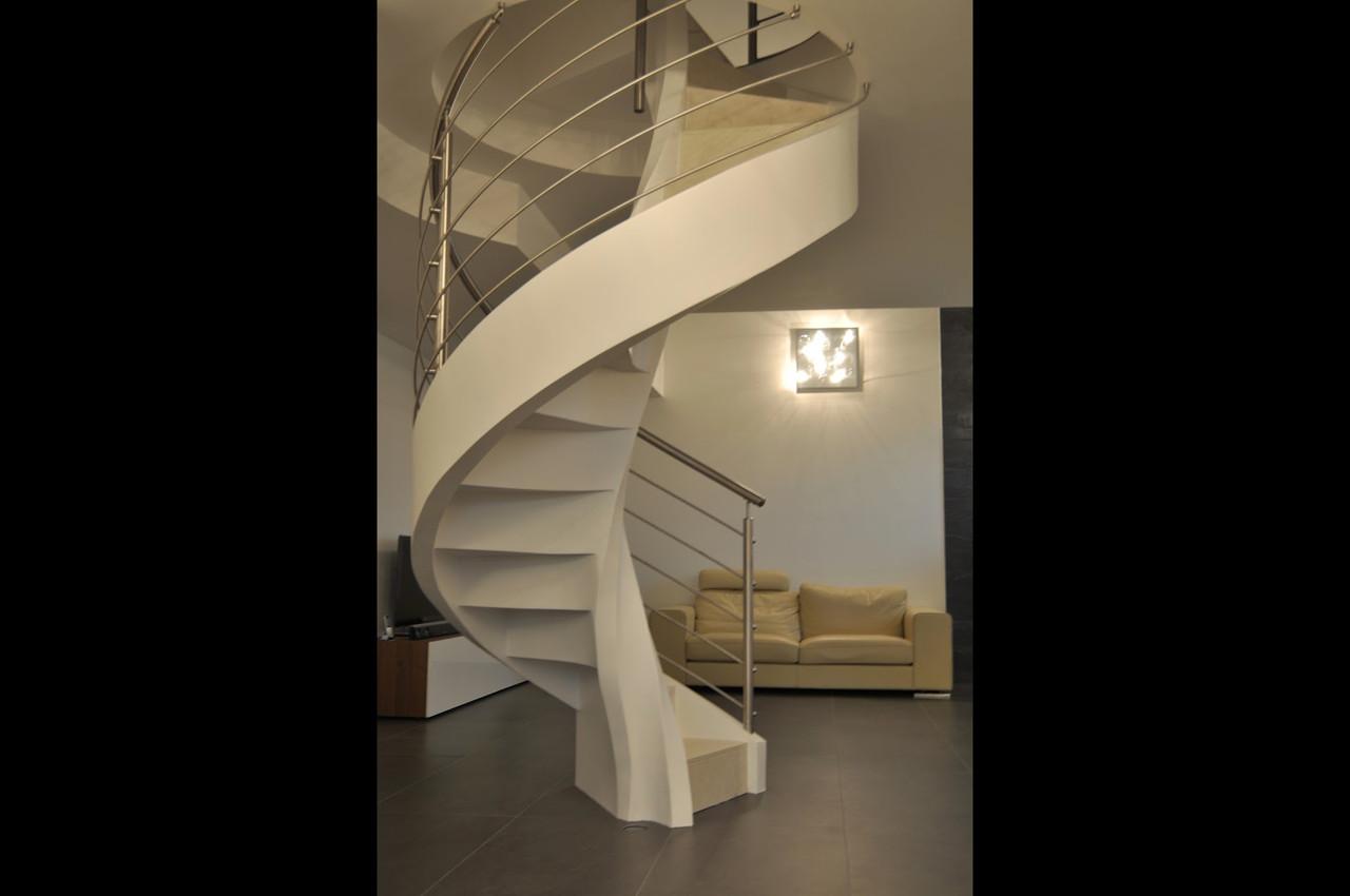 Перила нержавеющие на винтовую лестницу