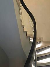 Перила нержавеющие на винтовую лестницу с деревянным поручнем, фото 3
