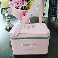 Розовый кейс Mary Kay